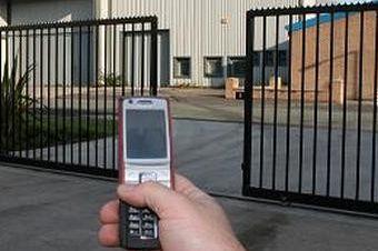 פתיחת שער חשמלי עם טלפון