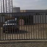 שער חשמלי בכניסה למפעל